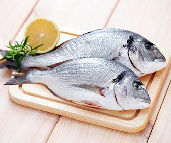 El pescado con mas proteina también es rico en acidos grasos esenciales Omega 3