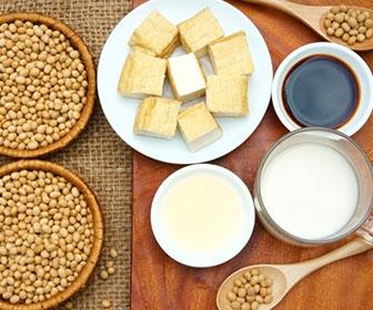 La proteina de la soja es llamada por los japoneses como la ``carne sin hueso``. La soja es un alimento protagonista para veganos